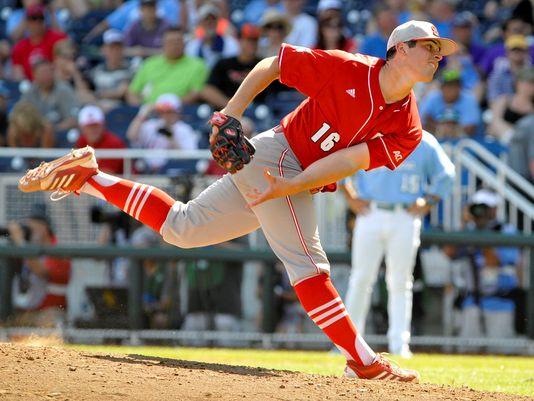 1371431357000-USP-NCAA-Baseball-College-World-Series-North-Caro-004-1306162110_4_3